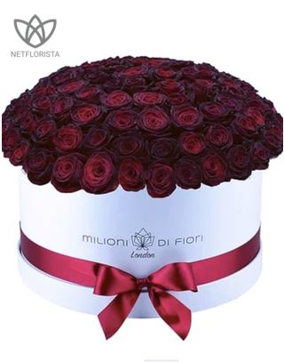 Grande - large white hat box - burgundy roses