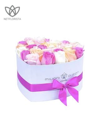 Amore - limited edition white heart shape box - mixed Avalanche roses